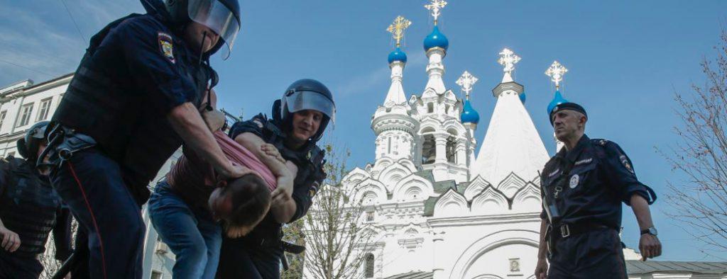 Rusyanın karşısında olmak Hulusi Üstün